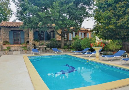 Villa in Saint-Martin-de-Castillon, the South of France
