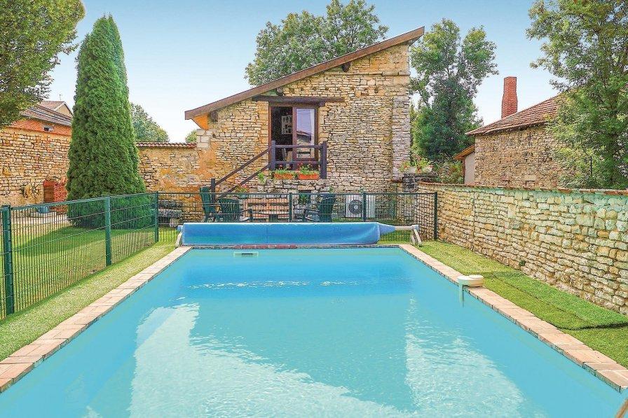 Villa to rent in Haute-Marne