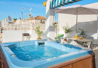 Villa in Spain, Playa Flamenca: Private Hot Tub on the Roof Terrace