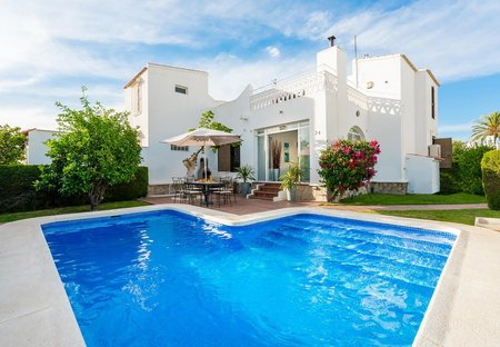 Villa in Urbanización las Mimosas-La Chismosa, Spain