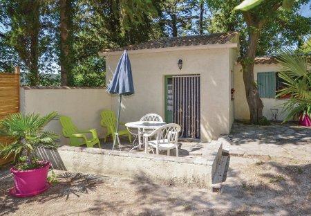 Villa in Crillon-le-Brave, the South of France