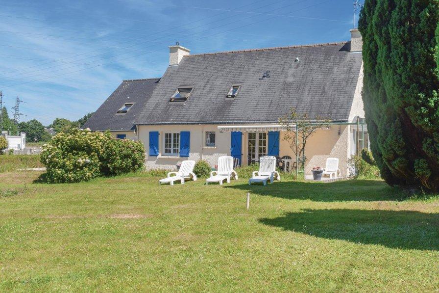 Villa in France, Guerlédan
