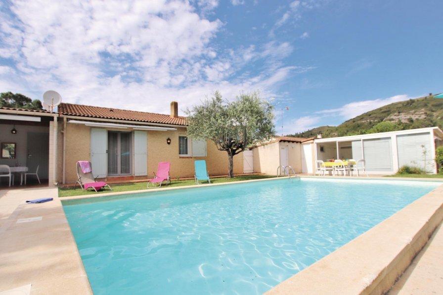 Villa in France, Boulbon