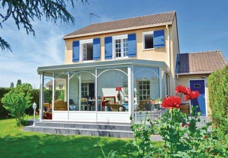 Villa in Guichainville, France