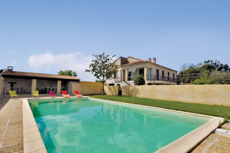 Villa in France, Noves