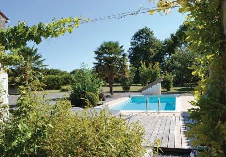 Villa in Nuaillé-sur-Boutonne, France
