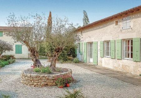 Villa in Rioux, France