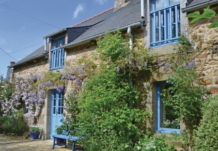 Villa in Hénansal, France