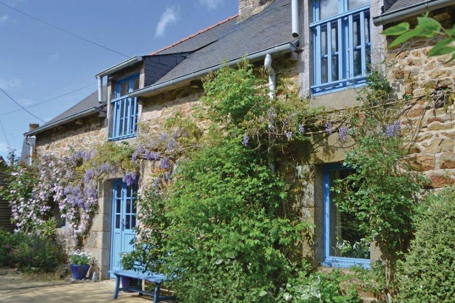 Villa in France, Hénansal
