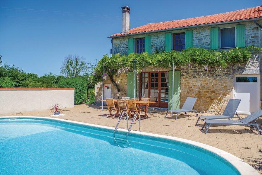Villa in France, Saint-Simon-de-Pellouaille