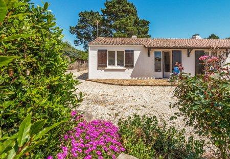 Villa in Les Moutiers-en-Retz, France