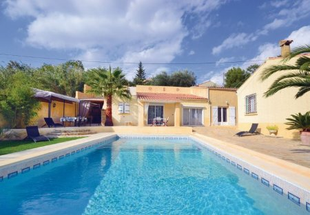 Villa in Théziers, the South of France