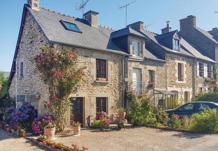 Villa in Le Minihic-sur-Rance, France