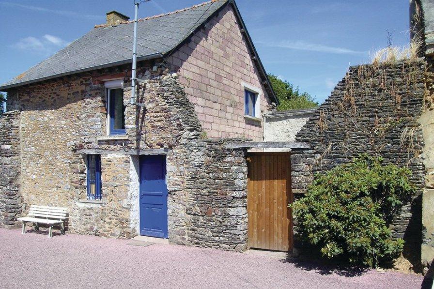 Villa in France, Mauron
