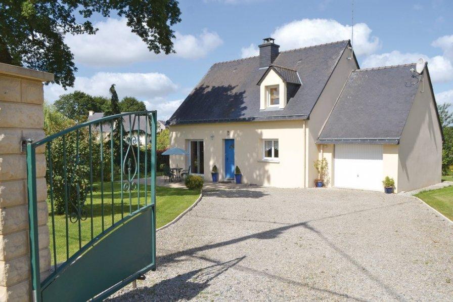 Villa in France, Guéhenno