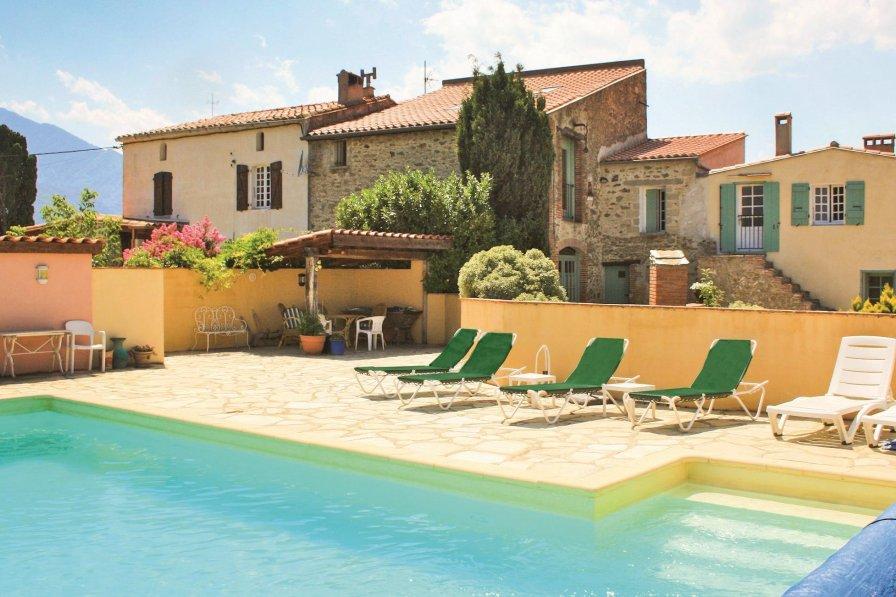 Villa in France, Joch