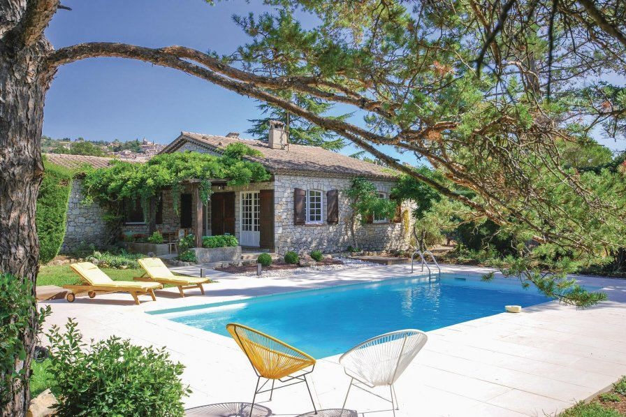 Villa to rent in fayence the south of france with Homes to rent in france with swimming pool