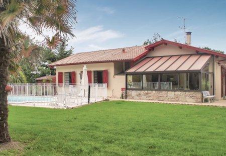 Villa in Tilh, France