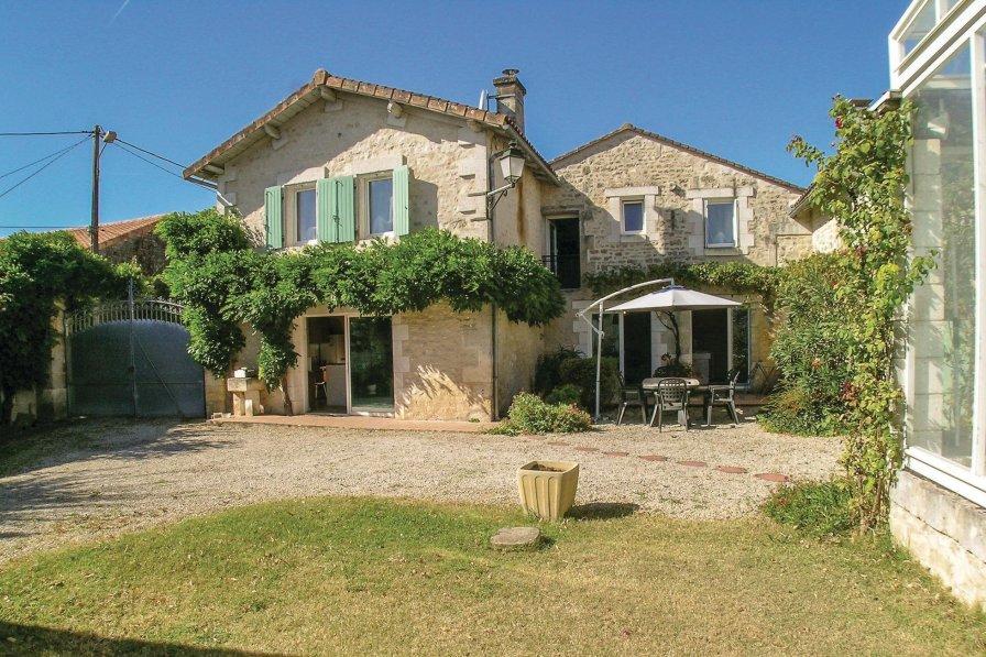Villa in France, Échallat