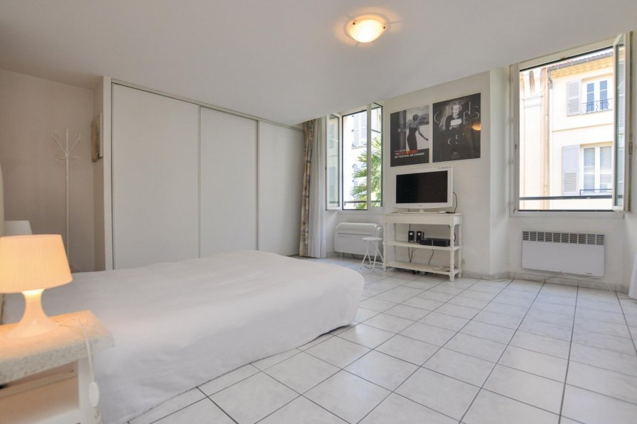 Studio apartment in France, Gare de Cannes