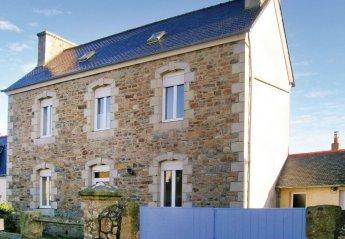 Villa in France, Trélévern