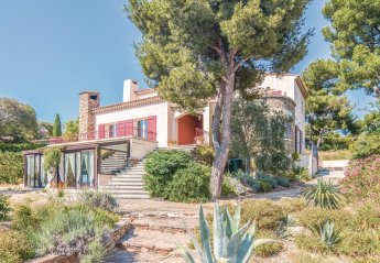 Villa in France, Est Reganat Destral
