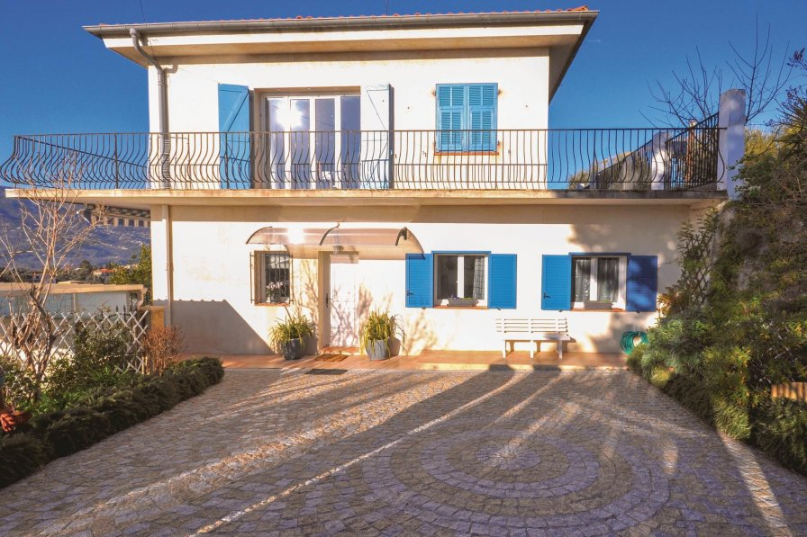 Holiday apartment in Cremat-Bellet