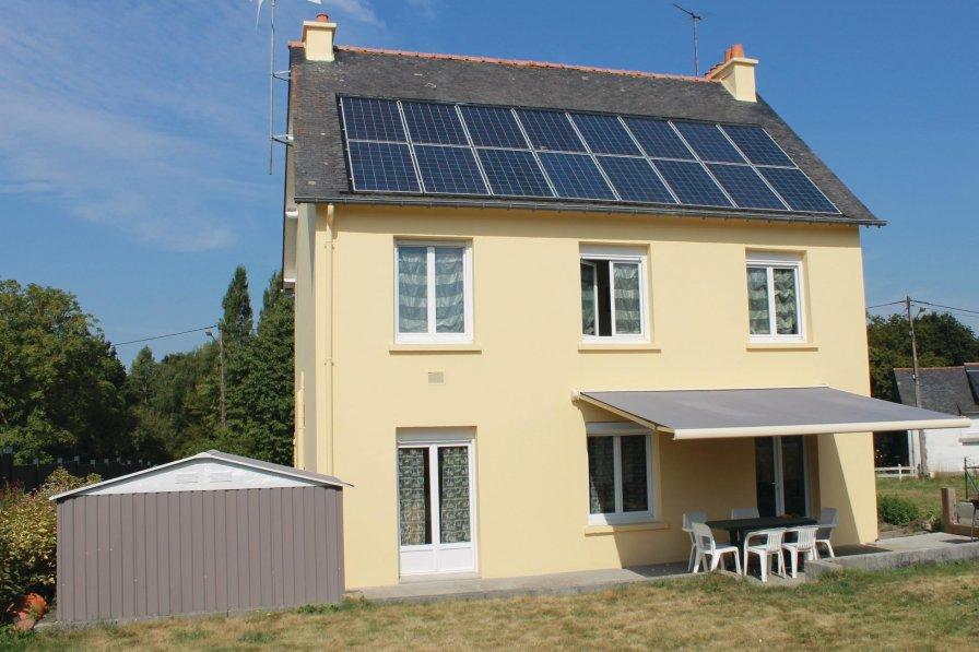 Villa in France, Roz-Landrieux