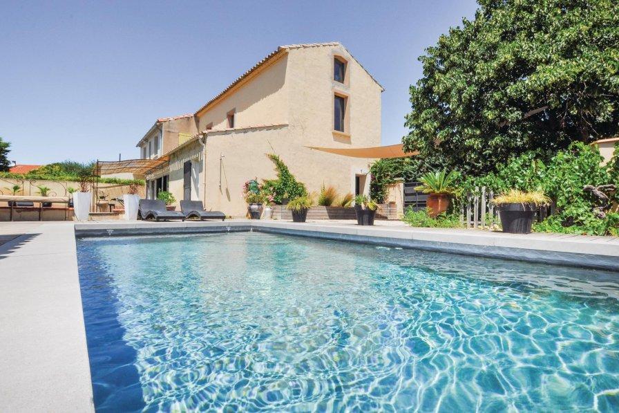 Villa in France, Horte Neuve