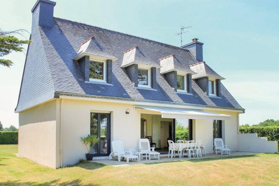 Villa in France, Locoal-Mendon