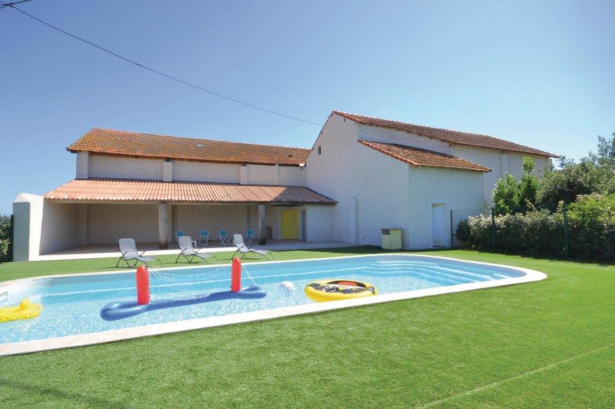 Apartment in France, Sambuc