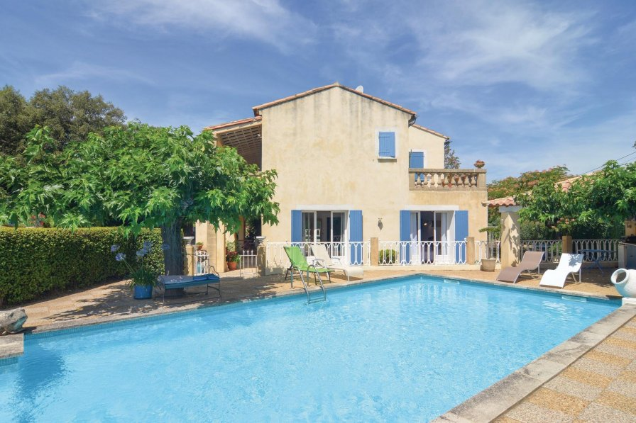 Villa in France, Collias