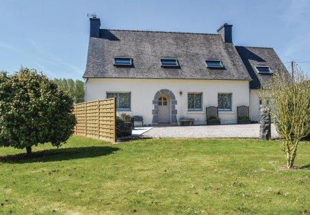Villa in Ploubezre, France