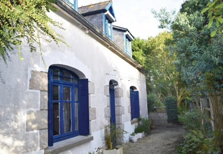 Villa in Plourivo, France