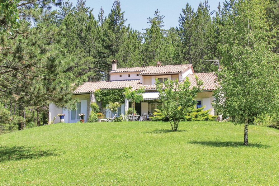 Villa in France, Garde-Colombe