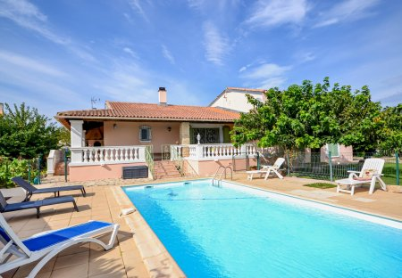 Villa in Uchaud, the South of France