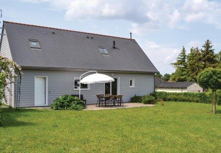 Villa in Brain-sur-Allonnes, France