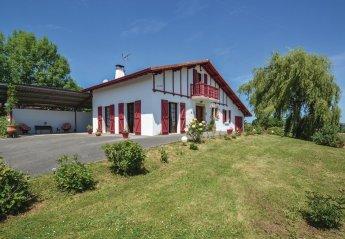 Villa in France, Béguios