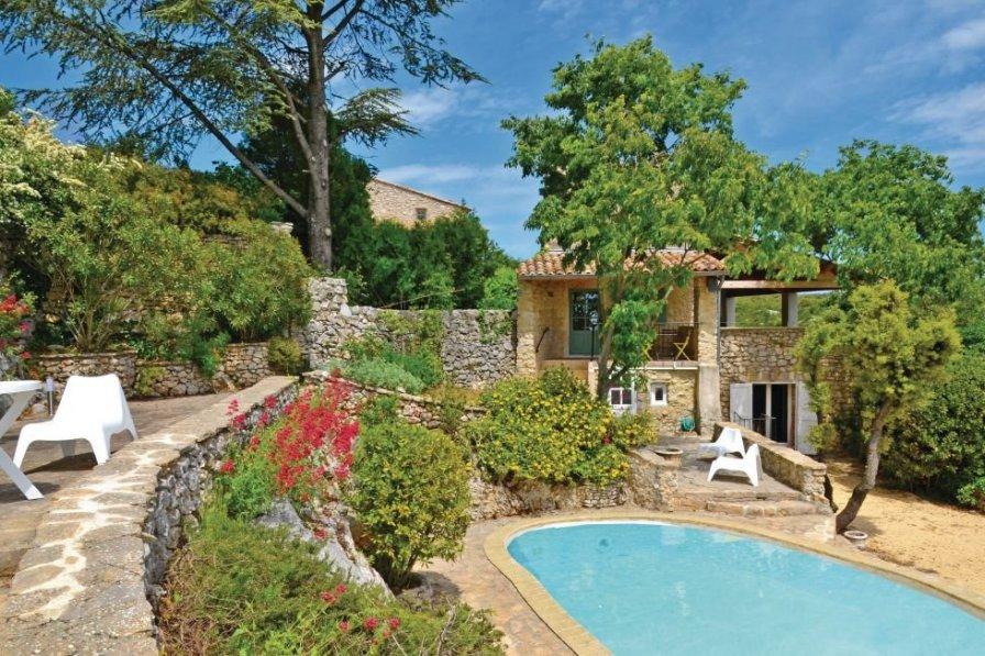 Villa in France, Bidon