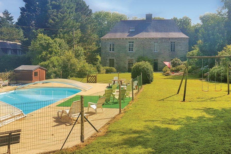 Villa in France, Spézet