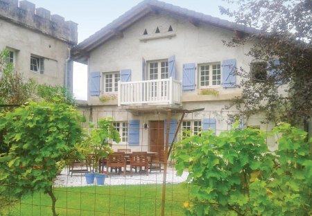Villa in Charritte-de-Bas, France