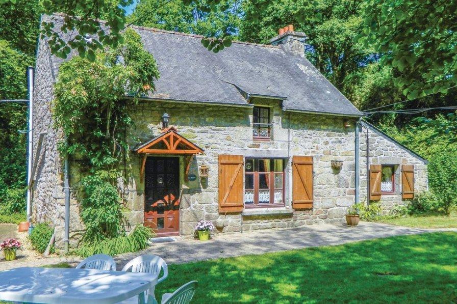 Villa in France, Guern: