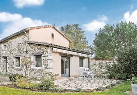 Villa in Nouaillé-Maupertuis, France