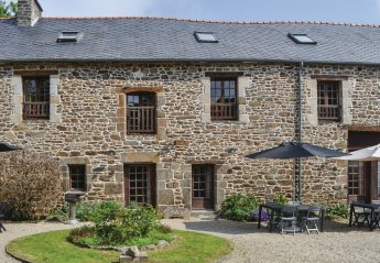 4 bedroom Villa for rent in Dinan