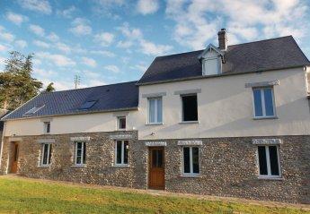 Villa in France, Millières