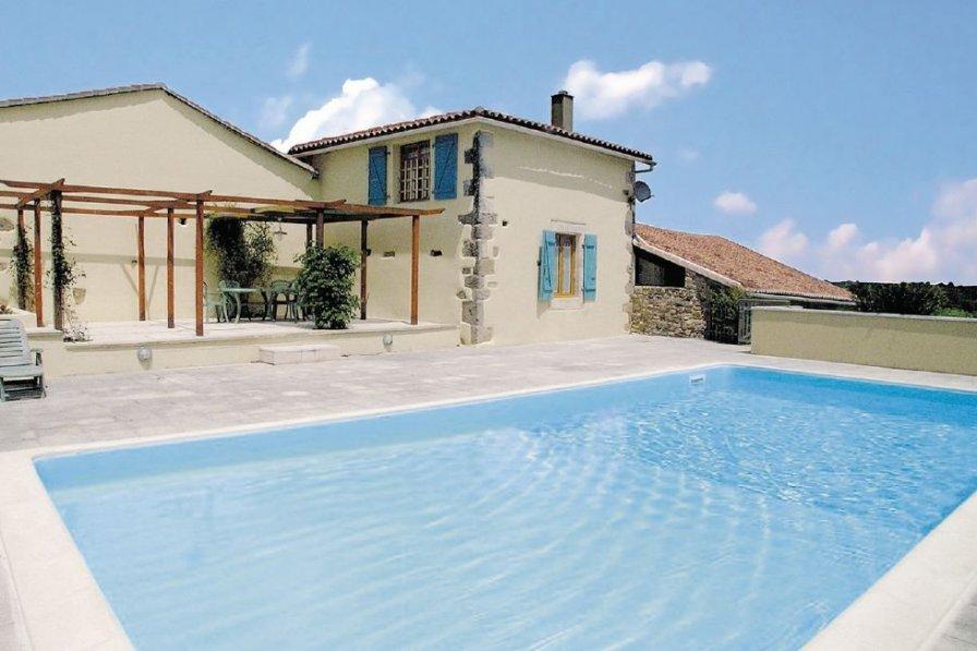 Villa in France, Cherves-Châtelars: