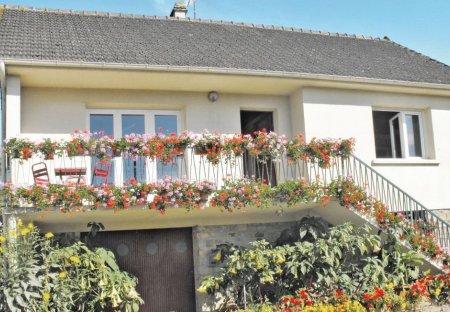 Villa in Montsenelle, France