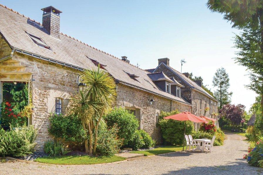 Villa in France, Scaër