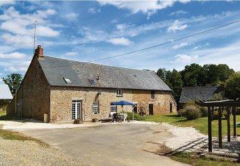 Villa in France, Carelles