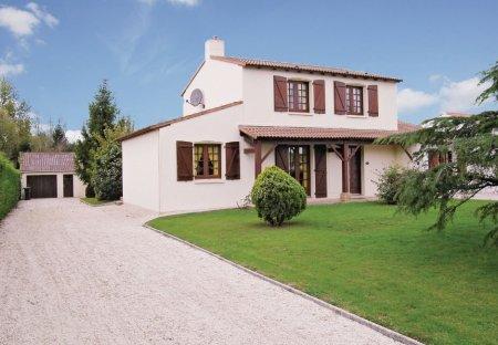 Villa in Saint-Christophe-du-Ligneron, France: